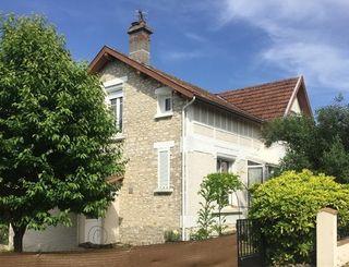 Maison en pierre FRONCLES 110 m² ()