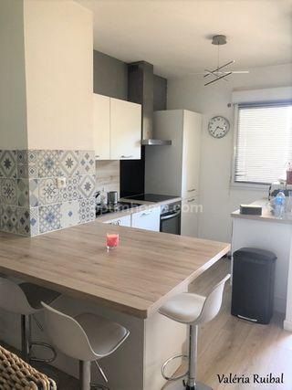 Appartement AMBARES ET LAGRAVE 82 m² ()