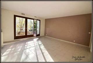 Appartement POISSY 66 m² ()