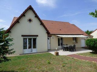 Villa AVERMES 93 m² ()