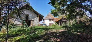 Maison à rénover SAINT GENIX SUR GUIERS 70 m² ()