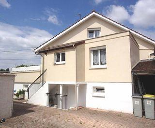 Maison de caractère OUGES 90 m² ()