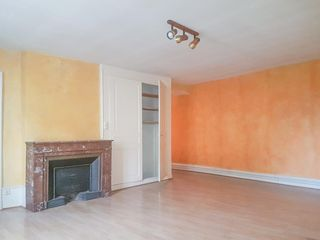 Appartement BELLEY 100 m² ()