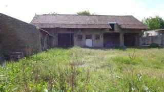 Hangar PLOUVAIN  ()