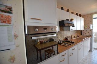 Appartement FLEURY LES AUBRAIS 100 m² ()