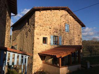 Maison en pierre VERNET LA VARENNE 200 m² ()