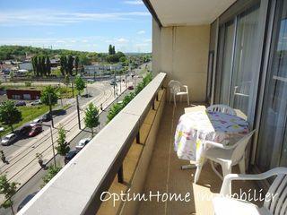 Appartement en résidence SARCELLES 122 m² ()