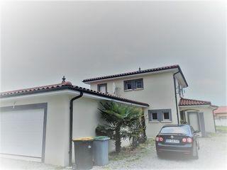 Maison CLONAS SUR VAREZE 180 m² ()