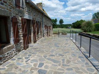 Maison en pierre SAINT JULIEN 140 m² ()