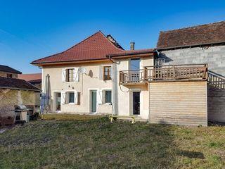 Maison en pierre YENNE 120 m² ()