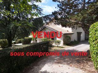 Villa d'architecte COUZEIX 265 m² ()