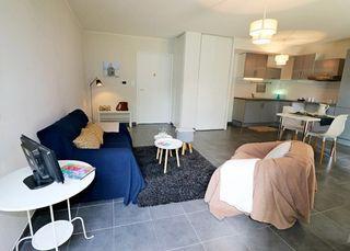 Appartement ETREMBIERES 49 m² ()