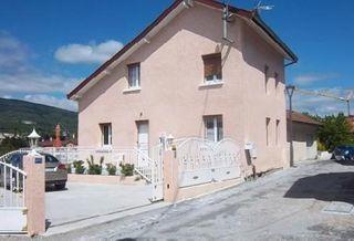Maison en pierre BELLEGARDE SUR VALSERINE 98 m² ()