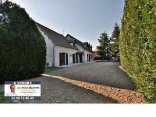 Maison FRESNAY LE GILMERT 296 m² ()