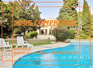 Propriété CRUZY 365 m² ()