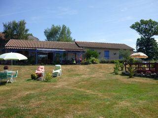 Maison plain-pied SAINT PAUL DES LANDES 135 m² ()