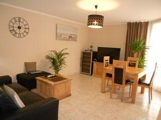 Appartement MONTIGNY LE BRETONNEUX 66 m² ()