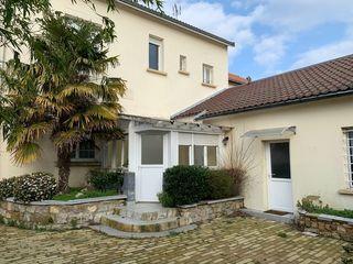 Maison SAINT DIZIER 163 m² ()