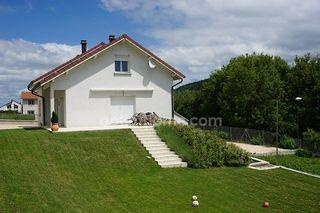 Maison individuelle MONTREAL LA CLUSE 225 m² ()
