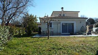 Villa PUGET SUR ARGENS 120 m² ()