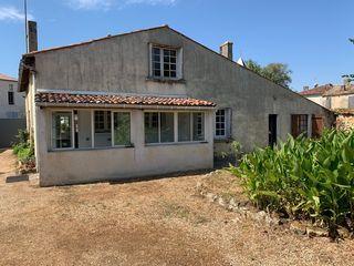 Maison de village BURIE 126 m² ()