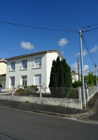 Maison mitoyenne SAINT YRIEIX SUR CHARENTE 105 m² ()