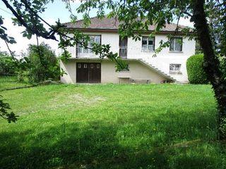 Maison SAINT SULPICE LE GUERETOIS 90 m² ()