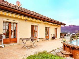 Maison YENNE 215 m² ()