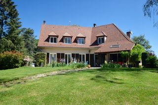 Maison AVALLON 212 m² ()