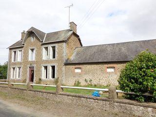 Maison en pierre LANDIVY 113 m² ()