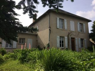 Maison bourgeoise ISSOIRE 195 m² ()