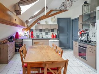 Appartement VIRIGNIN 86 m² ()