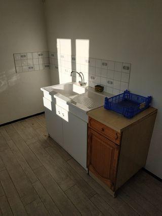 Appartement à rénover LAVAL 45 m² ()