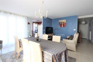 Appartement en résidence FAMECK 82 m² ()