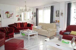 Maison ETRELLES 171 m² ()