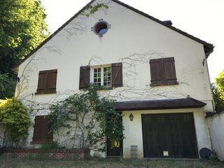 Maison de caractère CHATEAURENARD 220 m² ()
