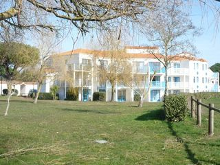 Appartement en rez-de-jardin TALMONT SAINT HILAIRE 23 m² ()