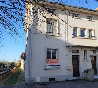 Maison de village VIC SUR SEILLE 64 m² ()