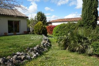 Maison MONTAIGUT SUR SAVE 93 m² ()