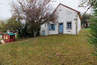 Maison de campagne SAINT SYMPHORIEN DE MARMAGNE 87 m² ()