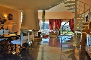Villa d'architecte VIVIERS LES MONTAGNES 230 m² ()