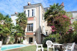 Maison bourgeoise PERIGUEUX 360 m² ()