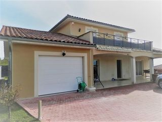 Maison AGNIN 140 m² ()