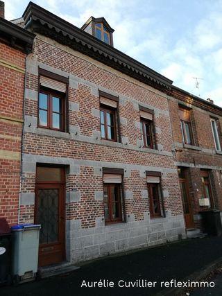 Maison SOLRE LE CHATEAU 200 m² ()