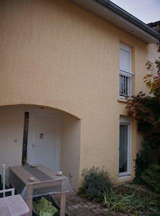 Maison mitoyenne OYONNAX 88 m² ()