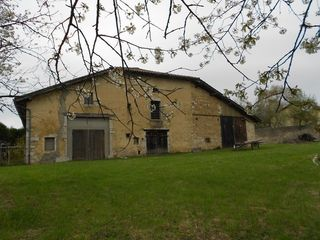 Maison vigneronne BOURG EN BRESSE 400 m² ()