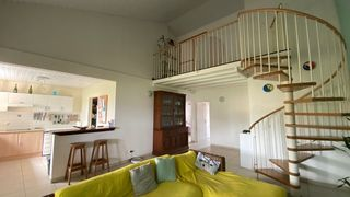Appartement REMIRE MONTJOLY 101 m² ()