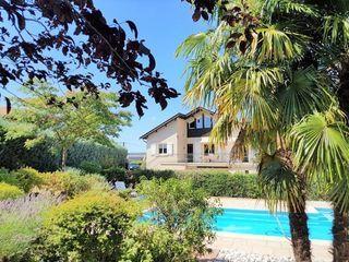 Maison REVENTIN VAUGRIS 240 m² ()