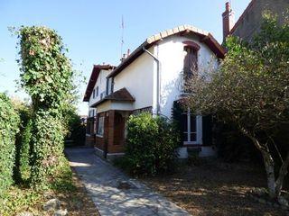 Maison YZEURE 104 m² ()
