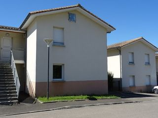 Appartement L'ISLE D'ESPAGNAC 63 m² ()